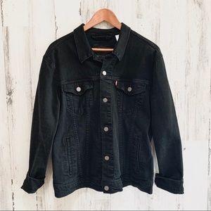 Black trucker Levis Jean jacket
